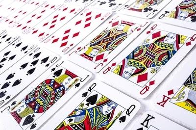 Många spel går att spela gratis på casinon