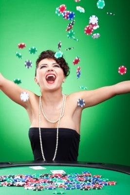 Free spins, turneringar och bonusar väntar casinospelare denna helg