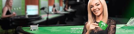 Spela live Black Jack hos Unibet och tävla om cash cards